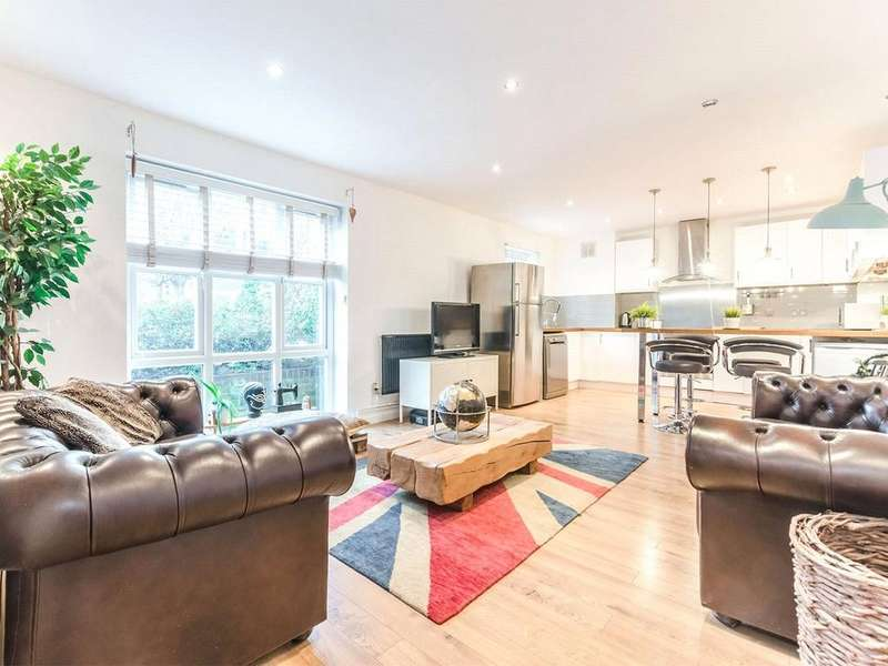 3 Bedrooms Apartment Flat for sale in Alphabet Square, Mile End, E3
