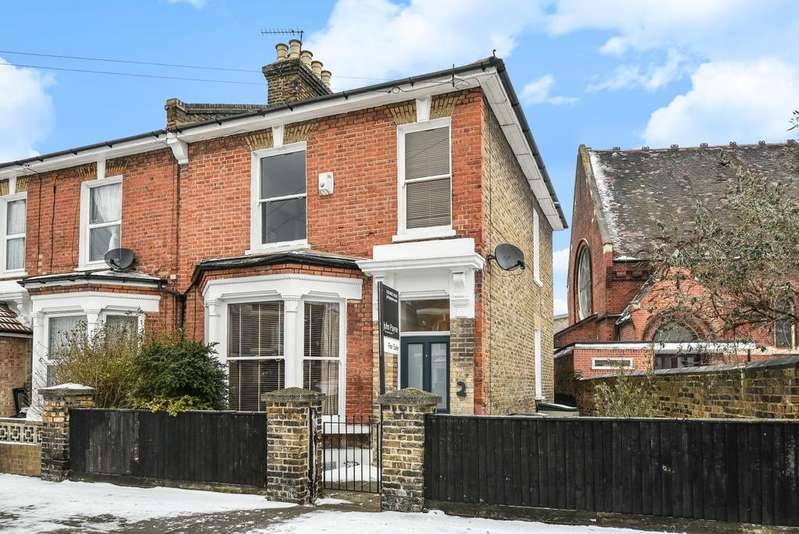 4 Bedrooms Semi Detached House for sale in Lampmead Road Lee SE12