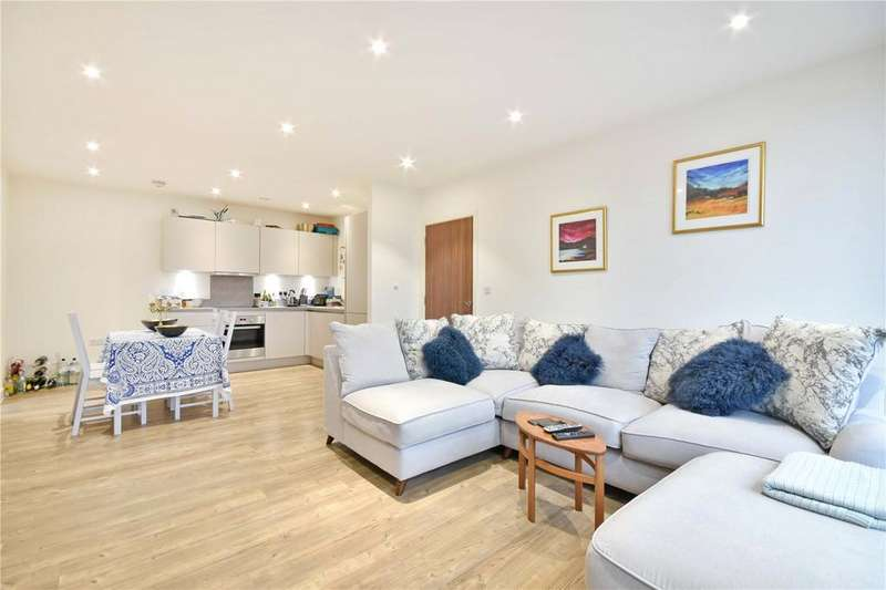 2 Bedrooms Apartment Flat for sale in Dunnock House, 21 Moorhen Drive, NW9