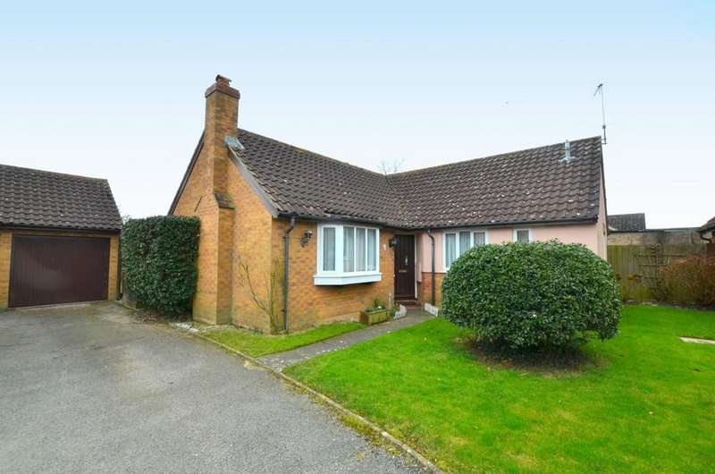 3 Bedrooms Detached Bungalow for sale in Red Barn Piece, Grundisburgh, IP13 6XD