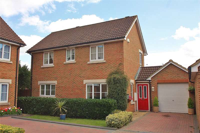3 Bedrooms Detached House for sale in Merchants Close, Knaphill, Woking, Surrey, GU21