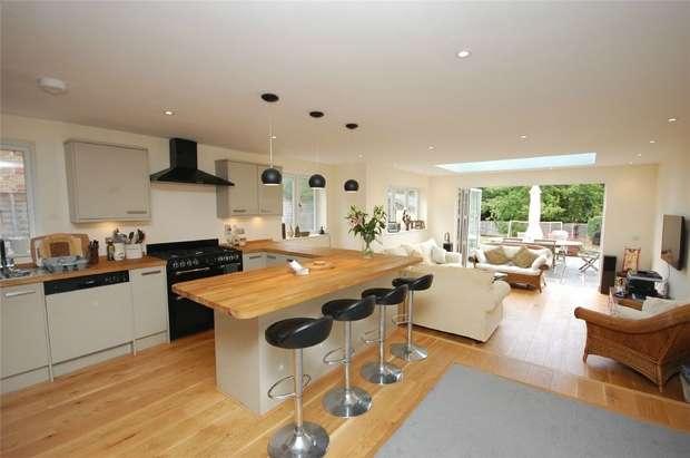 4 Bedrooms Semi Detached House for sale in Lower Bourne, Farnham, Surrey