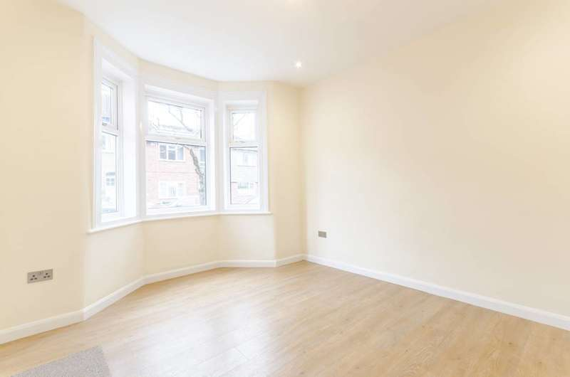 3 Bedrooms House for rent in Worcester Road, Walthamstow, E17
