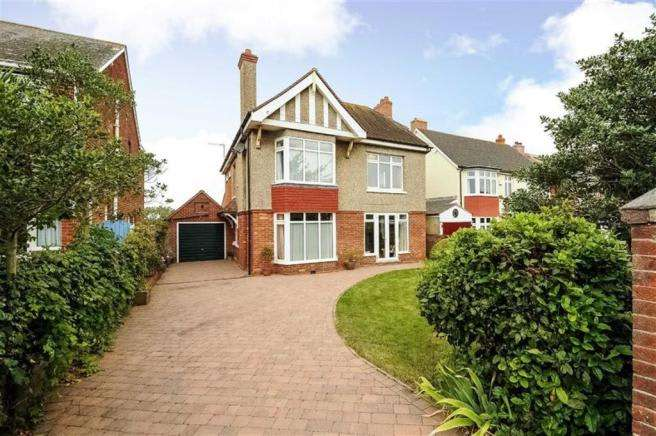 5 Bedrooms Property for sale in Southfield Avenue, Weymouth, Dorset