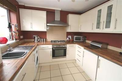 2 Bedrooms House for rent in Lavinia Drive, Plympton