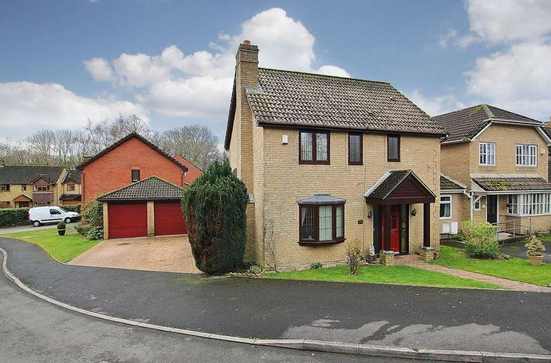 3 Bedrooms Detached House for sale in ROWNHAMS