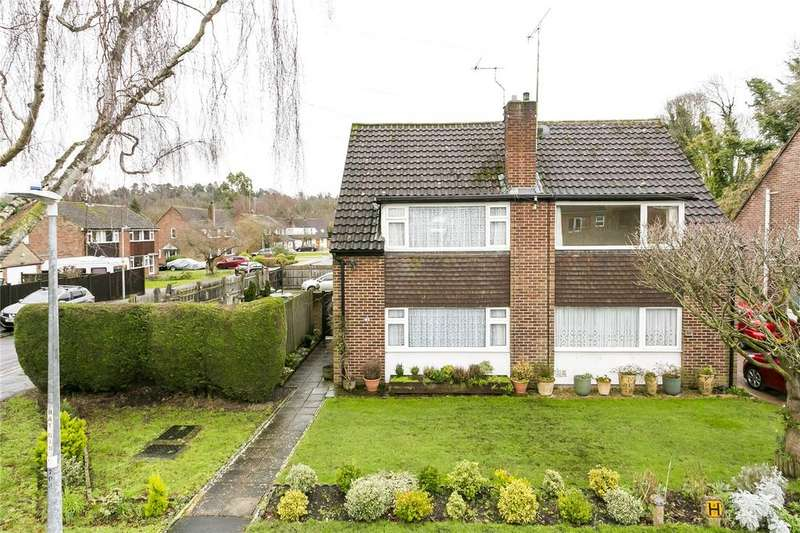 3 Bedrooms Semi Detached House for sale in Robyns Way, Sevenoaks, Kent
