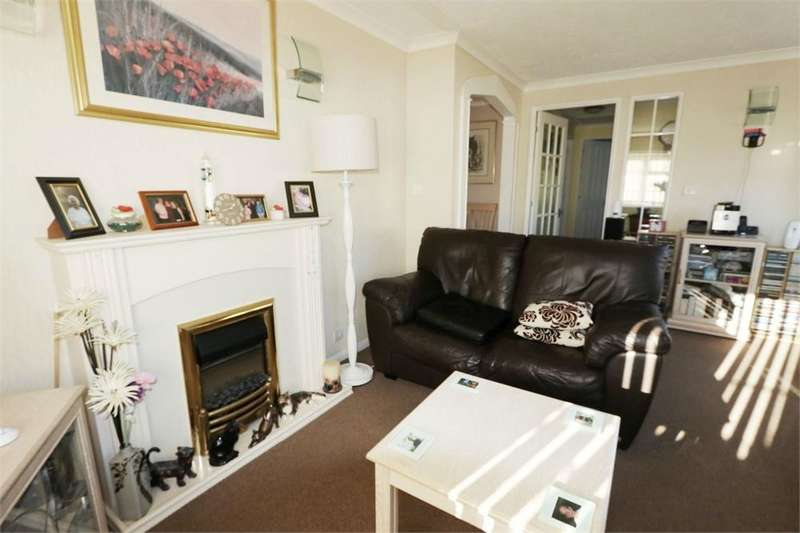 2 Bedrooms Park Home Mobile Home for sale in Bakers Farm Park Homes, Upper Horsebridge, Hailsham