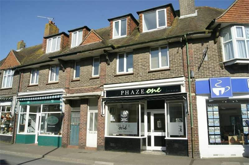 2 Bedrooms Flat for rent in Cooden Sea Road, BEXHILL-ON-SEA, East Sussex