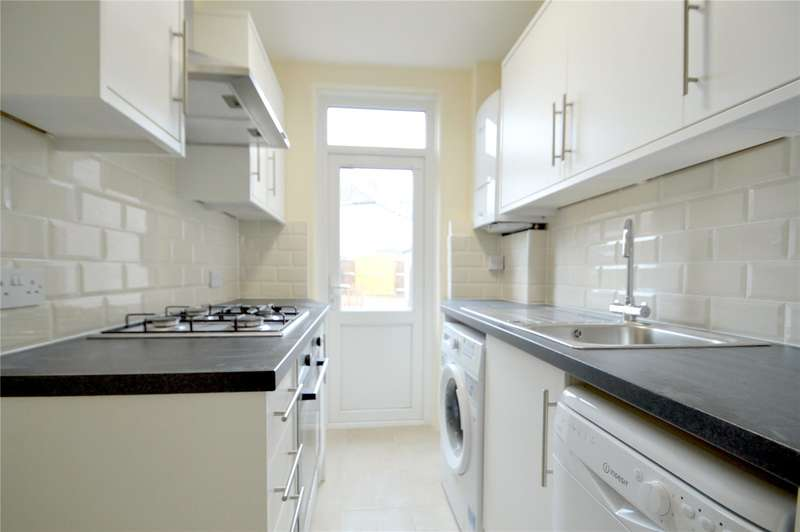 3 Bedrooms Terraced House for sale in Stonecroft Way, Croydon