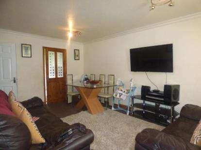 2 Bedrooms Flat for sale in Redbridge, Stantonbury, Milton Keynes