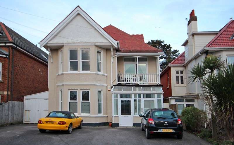 2 Bedrooms Apartment Flat for sale in Stourcliffe Avenue, Southbourne, Bournemouth