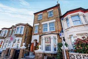 4 Bedrooms End Of Terrace House for sale in Norfolk Road, Thornton Heath