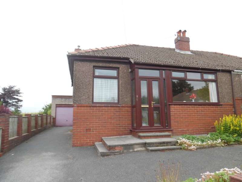 2 Bedrooms Semi Detached Bungalow for rent in Moss Grove, High Crompton, Shaw.