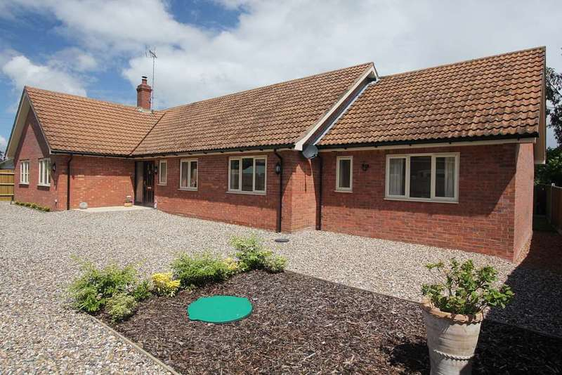 5 Bedrooms Bungalow for sale in The Orchids, Lower Basildon