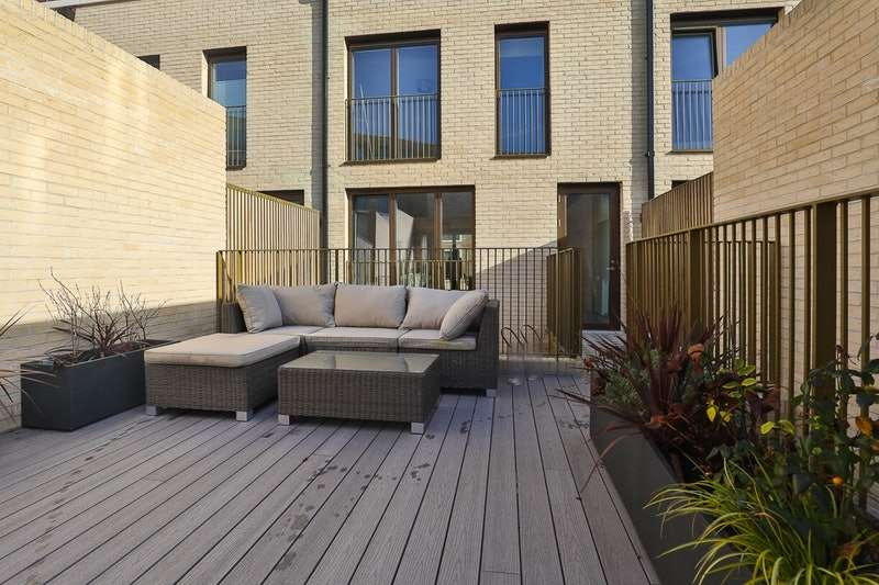 4 Bedrooms Terraced House for rent in Keirin Road, London, Newham, E20