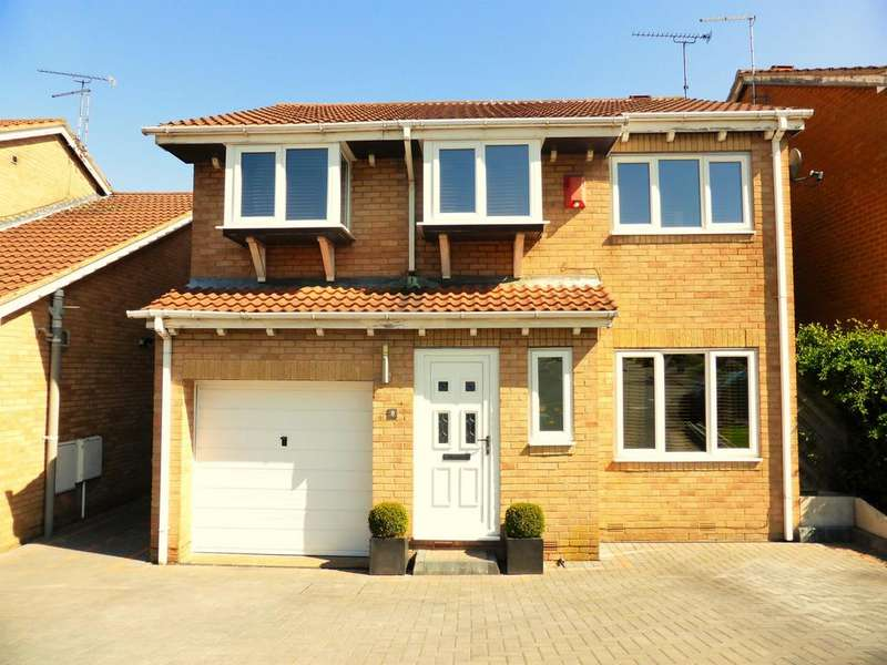 4 Bedrooms Detached House for sale in Sundew Gardens, High Green, Sheffield, S35 4DU
