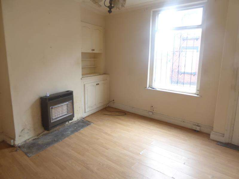 2 Bedrooms Terraced House for sale in St Elmo Grove, East End Park, LS9