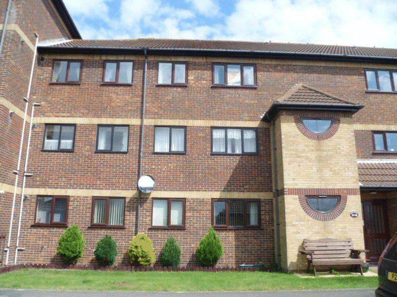 2 Bedrooms Apartment Flat for rent in Queens Park Close, Mablethorpe