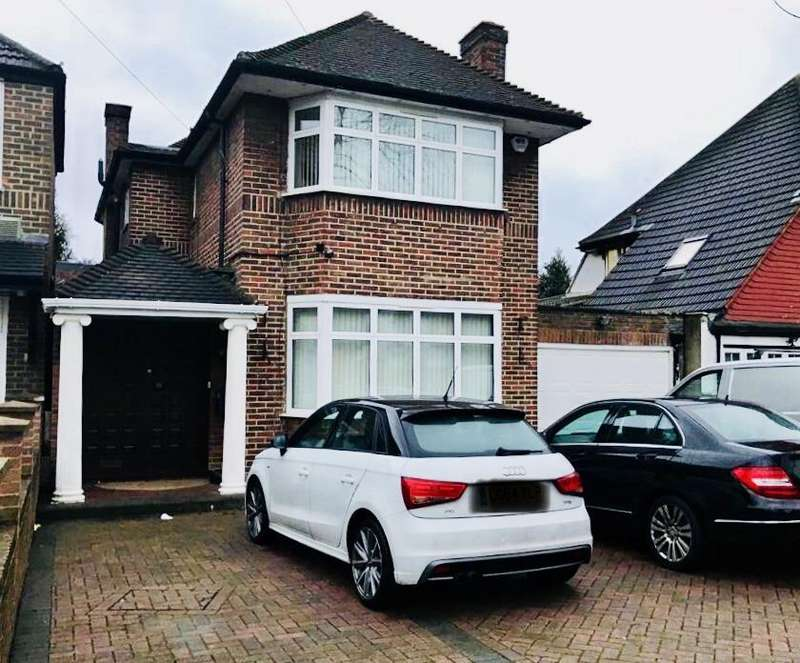 5 Bedrooms Detached House for sale in Firs Drive, Hounslow, TW5
