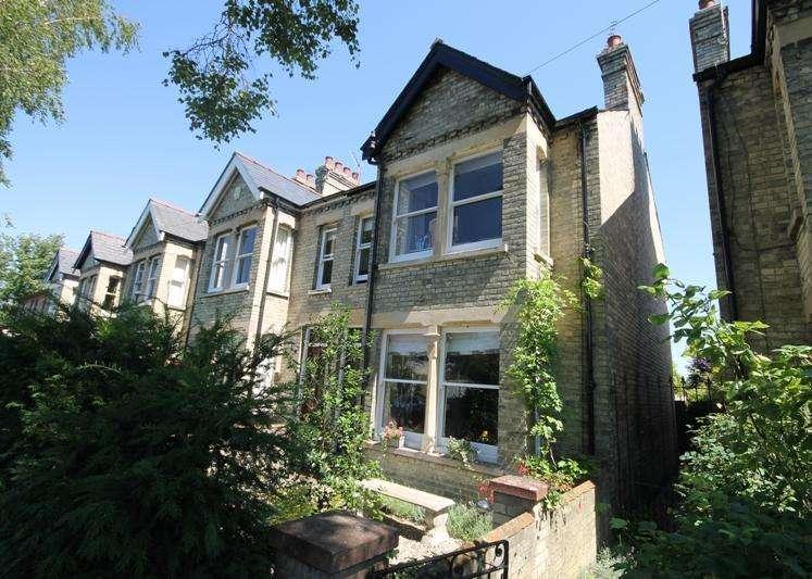 4 Bedrooms Semi Detached House for rent in Hinton Avenue, Cambridge, Cambridgeshire, CB1