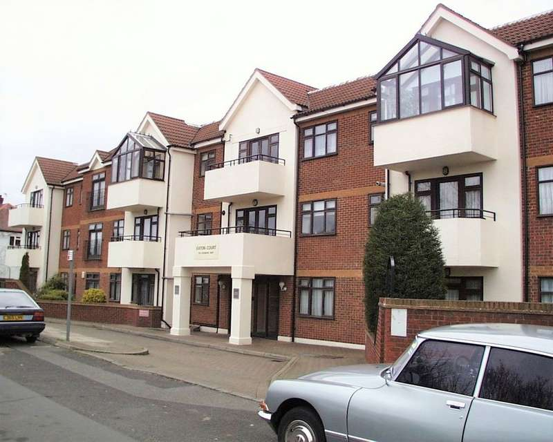 2 Bedrooms Apartment Flat for sale in Eaton Court, Edgware