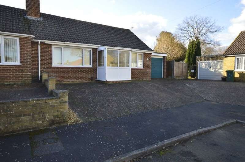 2 Bedrooms Semi Detached Bungalow for sale in Barham Close, Maidstone, ME15