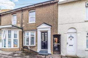 2 Bedrooms Terraced House for sale in St. Pauls Street, Sittingbourne, Kent