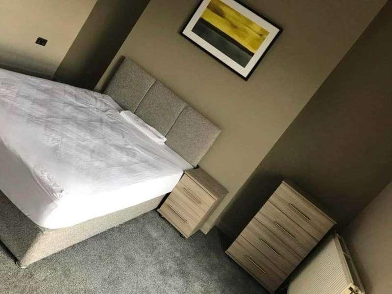 5 Bedrooms House Share for rent in Grenville Terrace, Ashton Under Lyne OL6 6UD