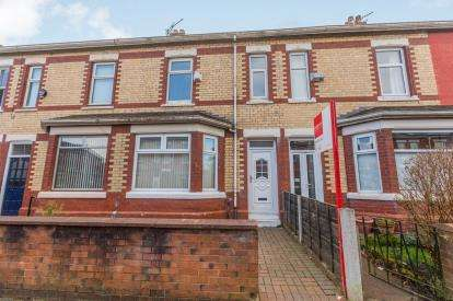 4 Bedrooms Terraced House for sale in Lillian Street, Old Trafford, Manchester, Greater Manchester