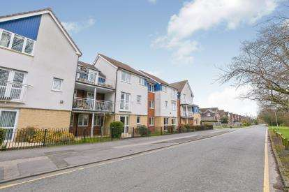 2 Bedrooms Flat for sale in Gilbert Court, Ellesmere Road, Warrington, Cheshire