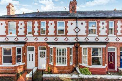 2 Bedrooms Terraced House for sale in Orchard Street, Stockton Heath, Warrington, Cheshire