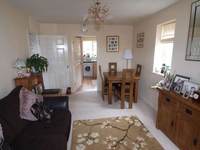 2 Bedrooms Apartment Flat for sale in Pike Close, Hayfield, High Peak, Derbyshire, SK22 2HH