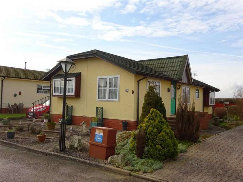 Park Home Mobile Home for sale in Odessa Park, Tewkesbury, Gloucestershire