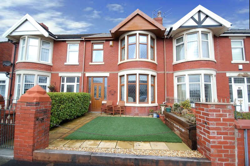 3 Bedrooms Terraced House for sale in Rosebery Avenue, Blackpool