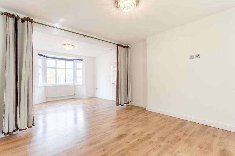 4 Bedrooms Detached House for sale in Boundary Road, Walthamstow, E17