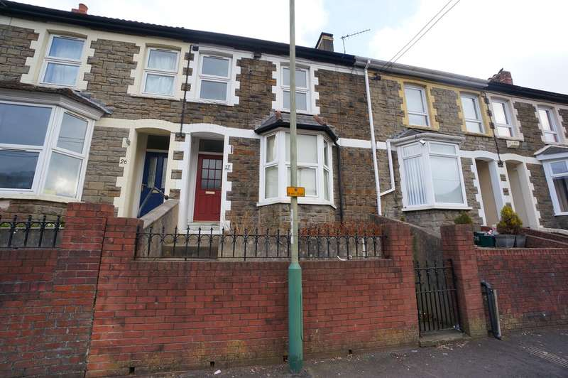 3 Bedrooms Terraced House for sale in Maindee Road, Ynysddu, Newport, NP11