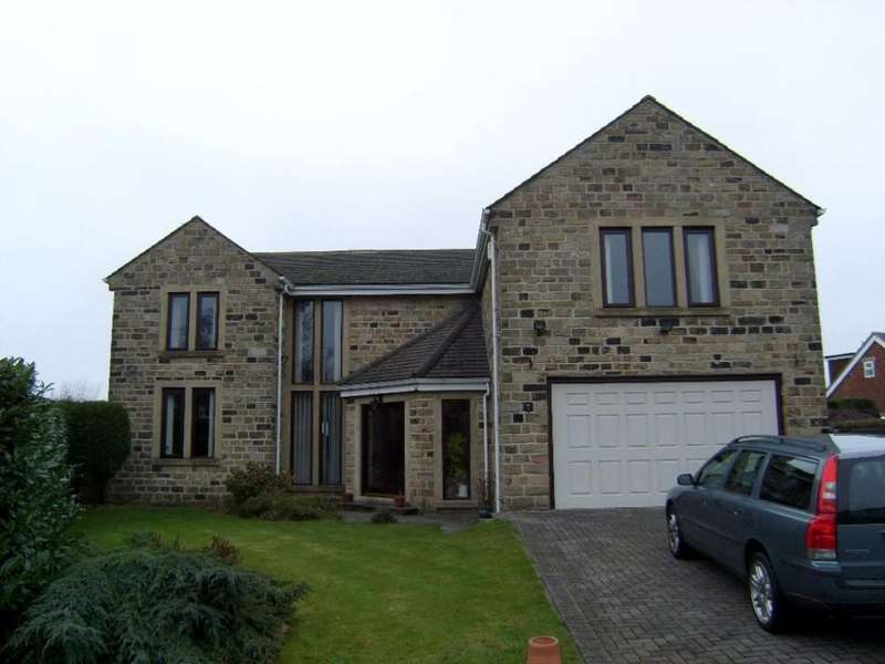 4 Bedrooms Detached House for rent in Field Hurst, Scholes, West Yorkshire