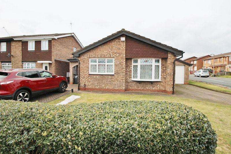 3 Bedrooms Detached Bungalow for sale in Stubbington Close, Willenhall