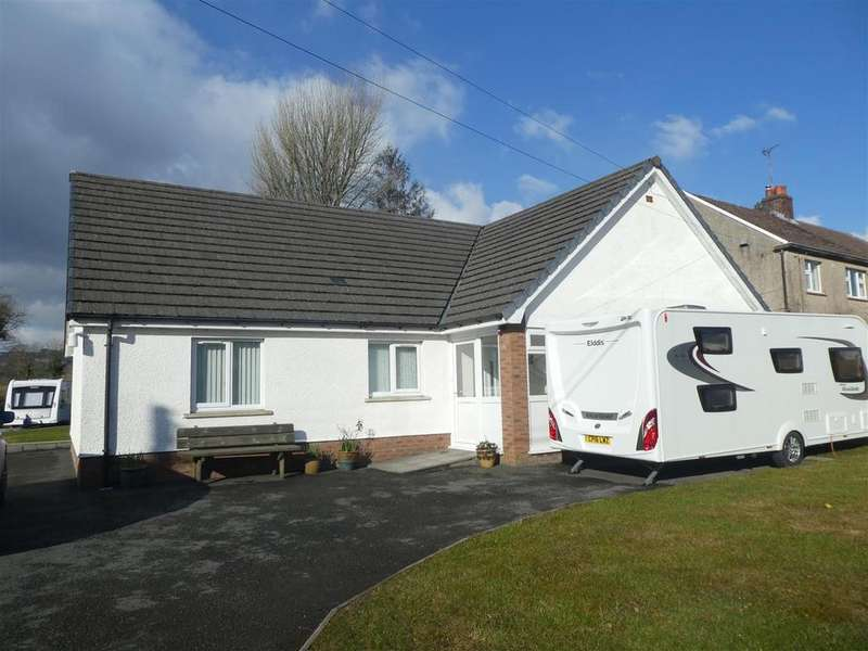 4 Bedrooms Detached Bungalow for sale in Ffarmers, Llanwrda