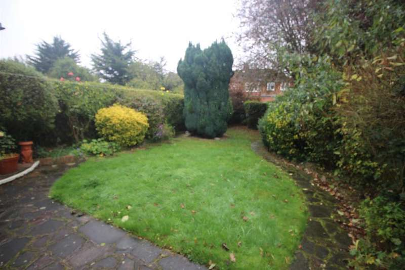 4 Bedrooms Semi Detached House for sale in Braithwaite Gardens, Stanmore