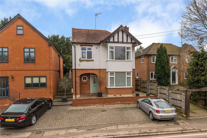 3 Bedrooms Detached House for sale in Lower Luton Road, Harpenden, Hertfordshire
