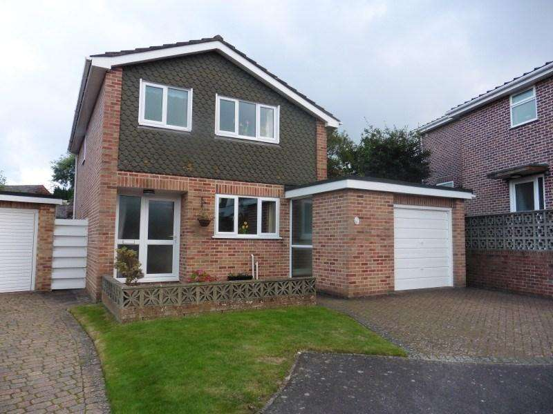3 Bedrooms Detached House for sale in Malvern Close, Bournemouth