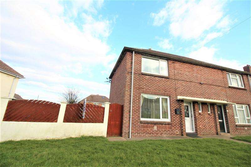 2 Bedrooms Semi Detached House for sale in Gelliswick Road, Hakin, Milford Haven, Pembrokeshire. SA73 3RB