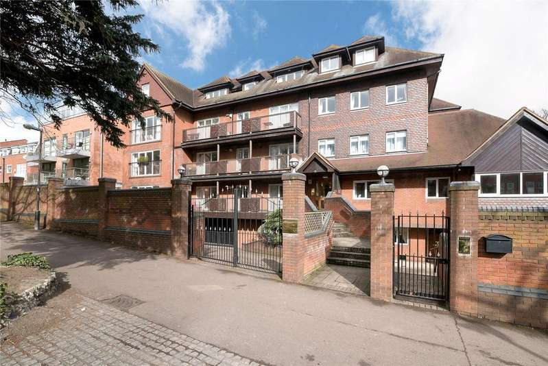 2 Bedrooms Flat for sale in Aspen Lodge, 61 Wimbledon Hill Road, SW19