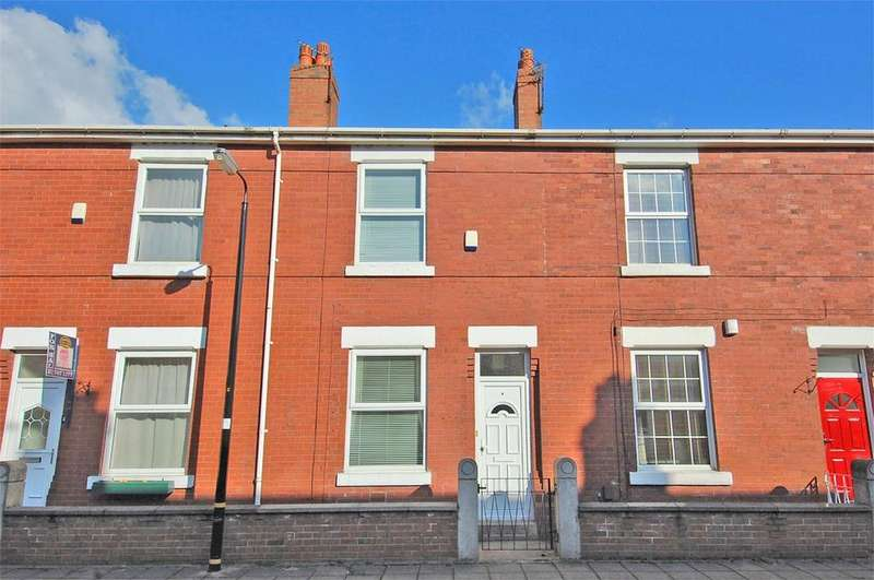 2 Bedrooms Terraced House for rent in Albert Avenue, Urmston, Manchester, M41