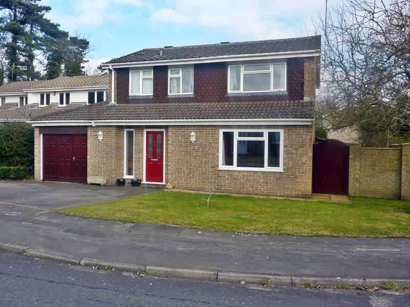 4 Bedrooms Detached House for sale in WARGRAVE