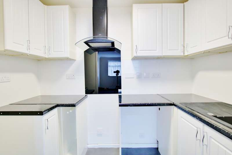 1 Bedroom Flat for sale in REFURBISHED GROUND FLOOR FLAT! NO CHAIN! VIEW NOW!