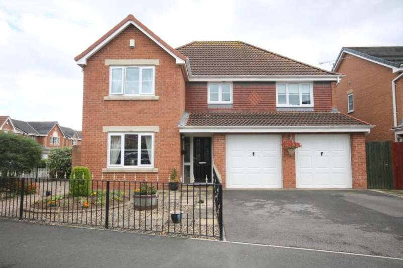5 Bedrooms Detached House for sale in Thornthwaite Close, Skelton-In-Cleveland, Saltburn-By-The-Sea, TS12