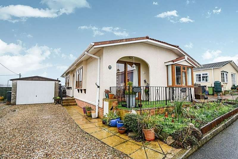 2 Bedrooms Detached Bungalow for sale in The Avenue, Chudleigh Knighton,Chudleigh, Newton Abbot, TQ13